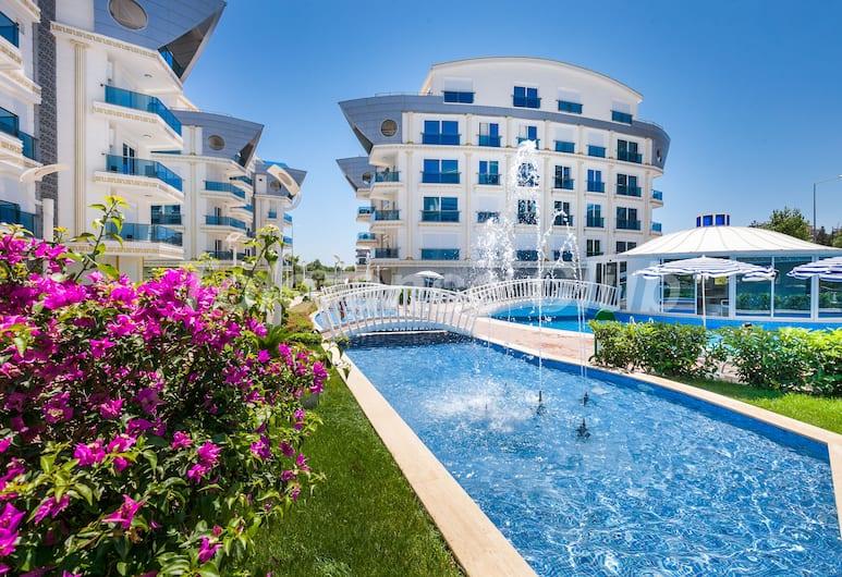 Melda Palace, Antalya, Kolam Renang Luar Ruangan