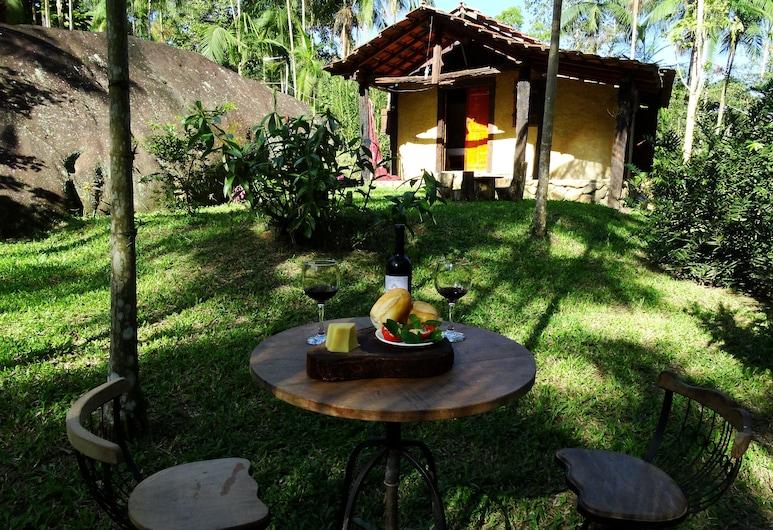 Chalé Vale das Flores, Paraty, Vakarienės lauke