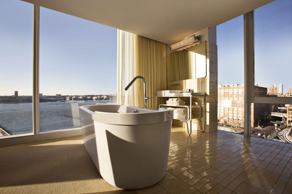 Hudson Studio - Bathroom