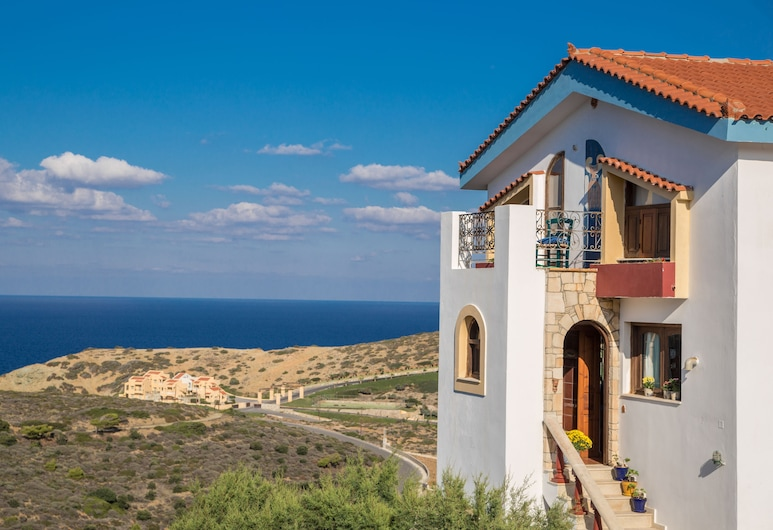 Iliatoras Traditionally Furnished Apartments, Μαλεβίζι