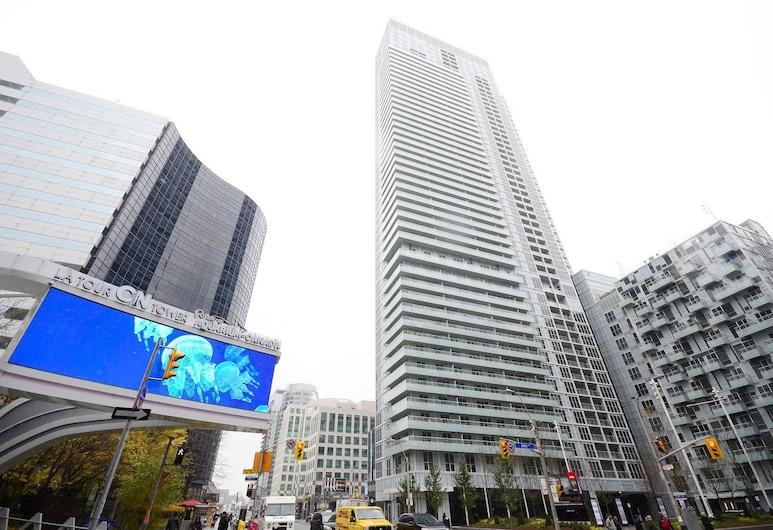 Whitehall Suites - Front Street West, Toronto