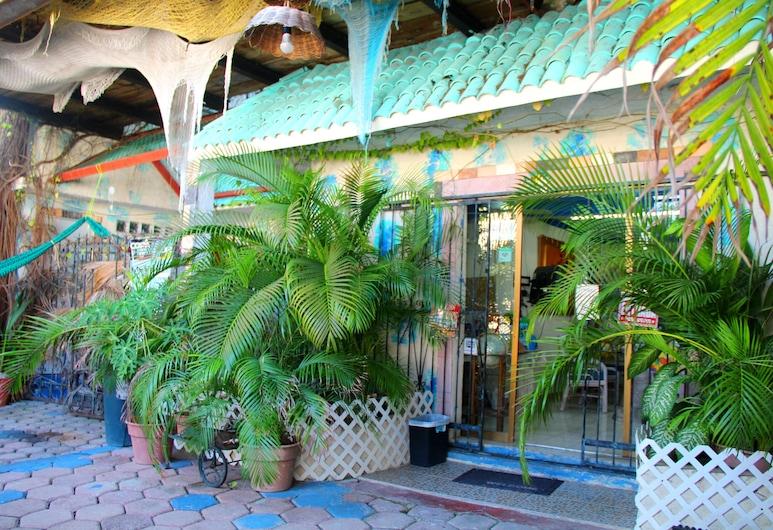 馬爾佩茲旅館, 坎昆