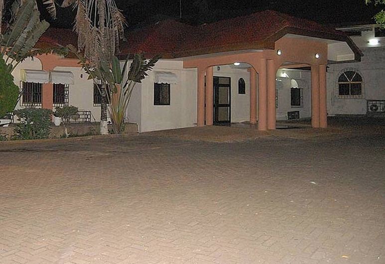 谷灘飯店, 塞康第-塔科拉迪