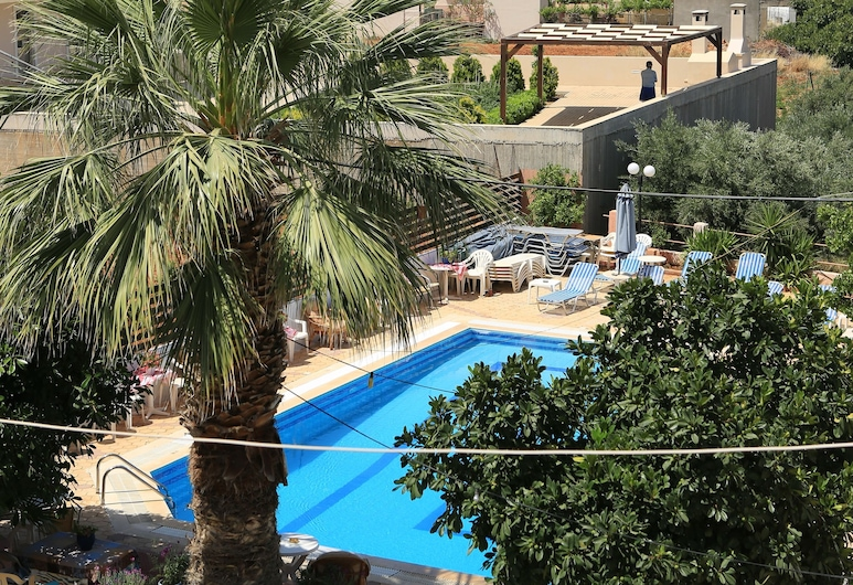 Maria Apartments, Hersonissos, Property Grounds