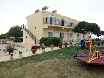 Picture of Baladinos Apartments in Platanias
