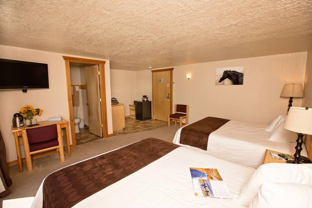 Pokój Deluxe, 2 łóżka queen, patio, widok na góry (Non-Smoking) - Pokój