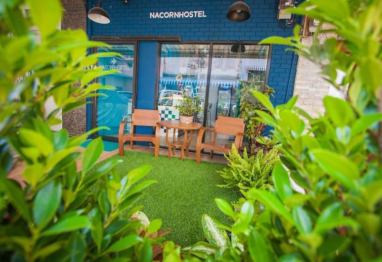 納柯恩青年旅舍考山, 曼谷, 酒店正面