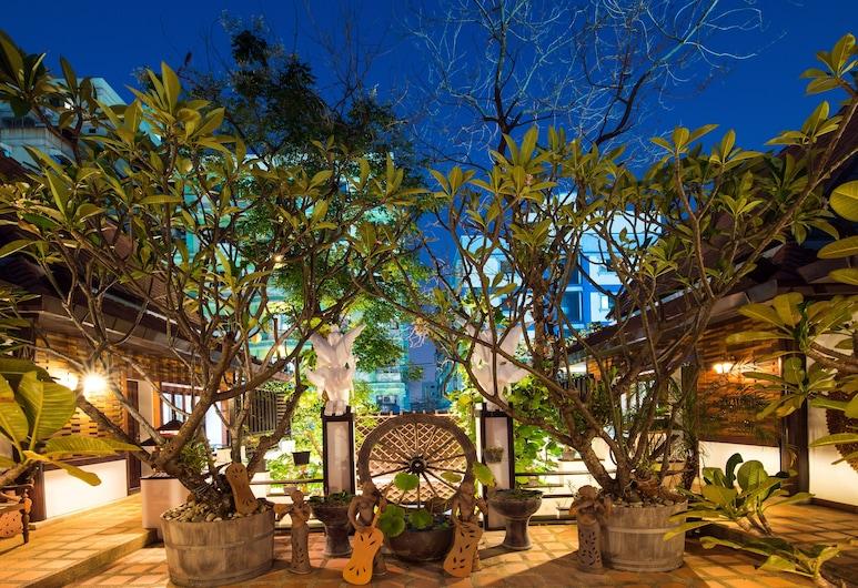 Yotaka Boutique Hotel Bangkok, Bangkok, Terrasse/Patio