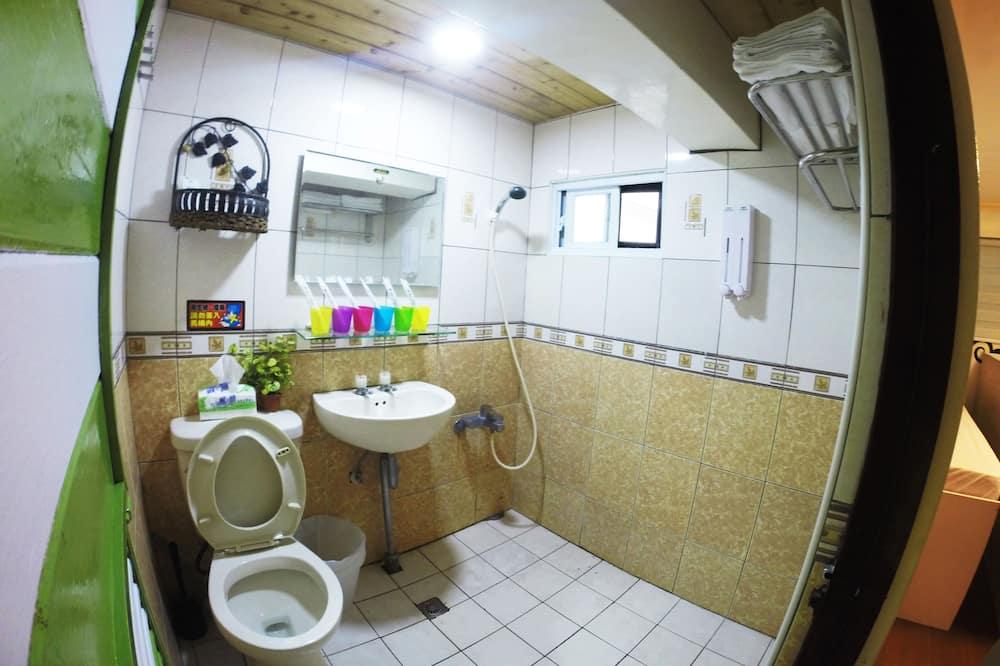 Spoločná zdieľaná izba, spoločná izba pre mužov aj ženy (5 people in room) - Kúpeľňa