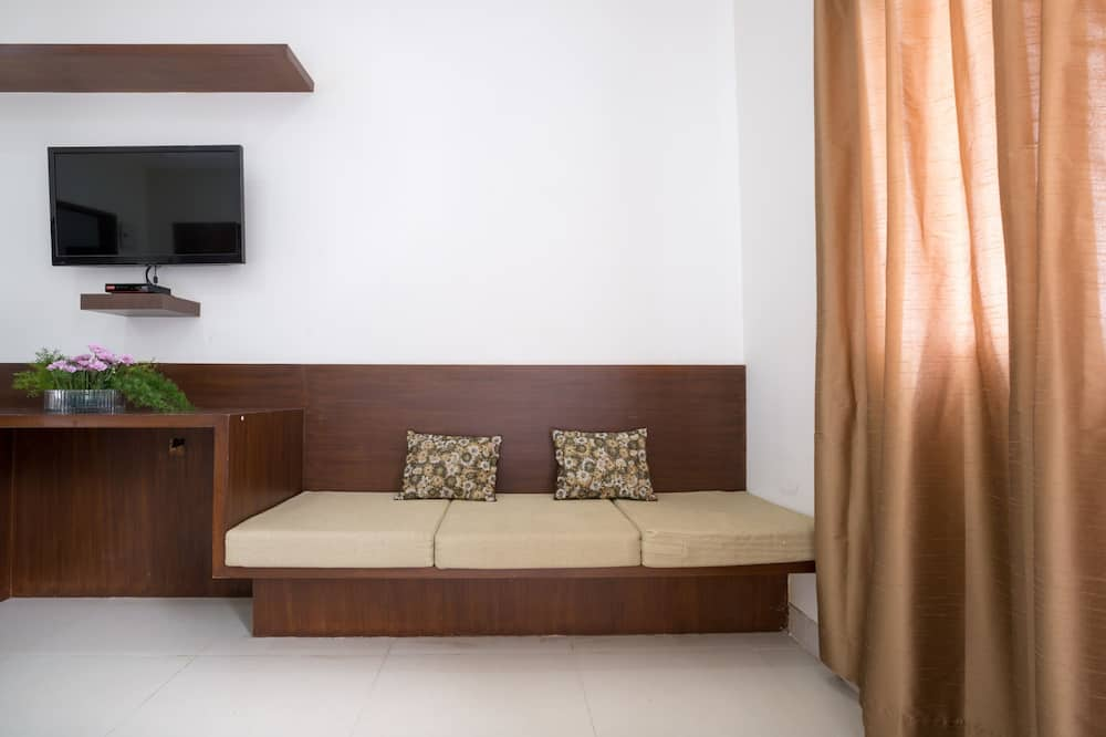 Premium Double Room, 1 King Bed - Living Area