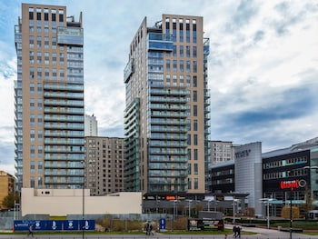 Varşova bölgesindeki Chopin Apartments Platinum Towers resmi