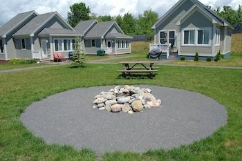 Hình ảnh Sandbanks Summer Village Cottages tại Picton