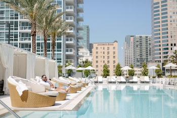 Mynd af LEVEL Furnished Living Suites í Los Angeles