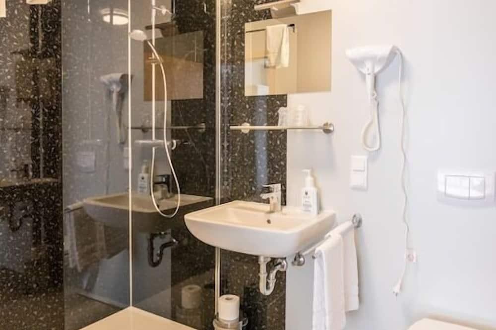 Jednolůžkový pokoj, soukromá koupelna, výhled na město - Koupelna