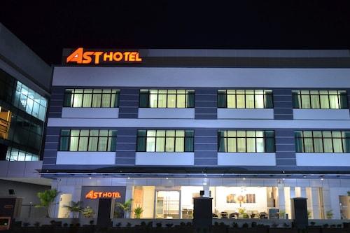 亚斯特酒店/
