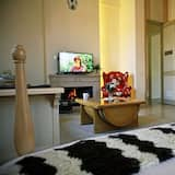 Štúdiový apartmán typu Premium, 1 extra veľké dvojlôžko, výhľad na vinicu, s výhľadom do záhrady - Obývacie priestory
