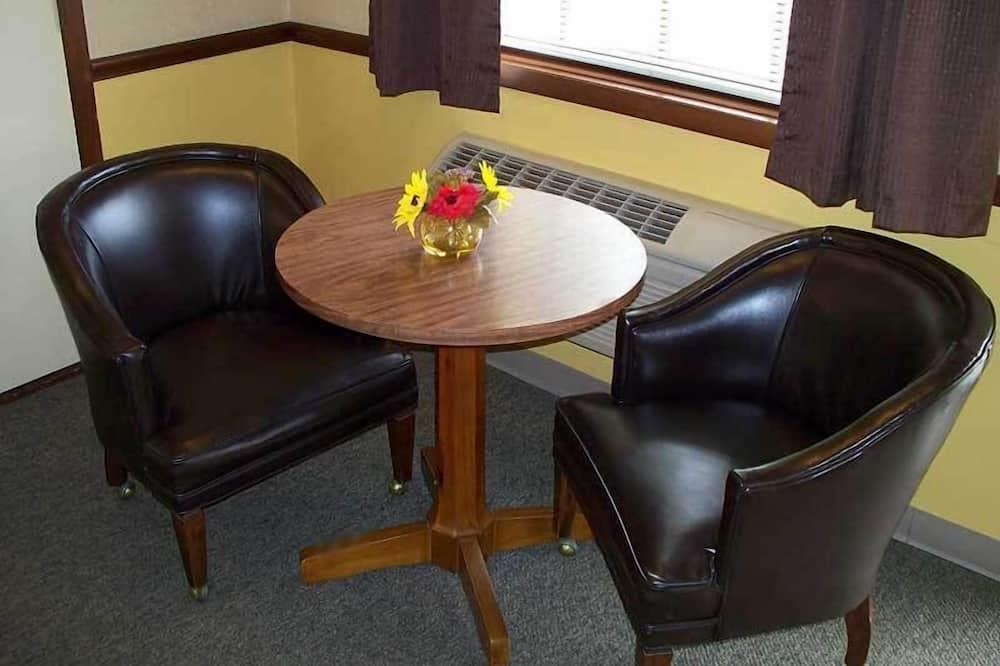 Room, 2 Queen Beds - Living Area