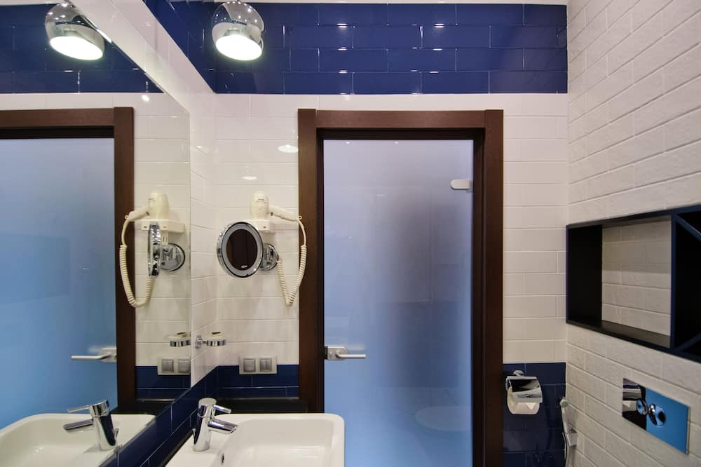 Superior Room («CINEMA») - Bathroom