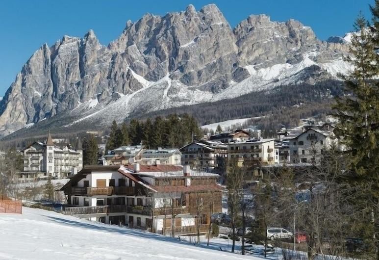 Villa Casanova, Cortina d'Ampezzo, Áreas del establecimiento