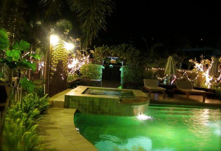 玉薩白酒店, Hua Hin, 室外泳池