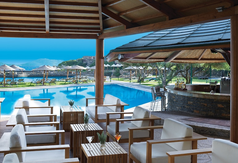 Porto Elounda Golf & Spa Resort, Agios Nicólaos, Bar en bord de piscine