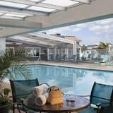 Indendørs/udendørs pool