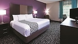 Choose This 2 Star Hotel In Claremore
