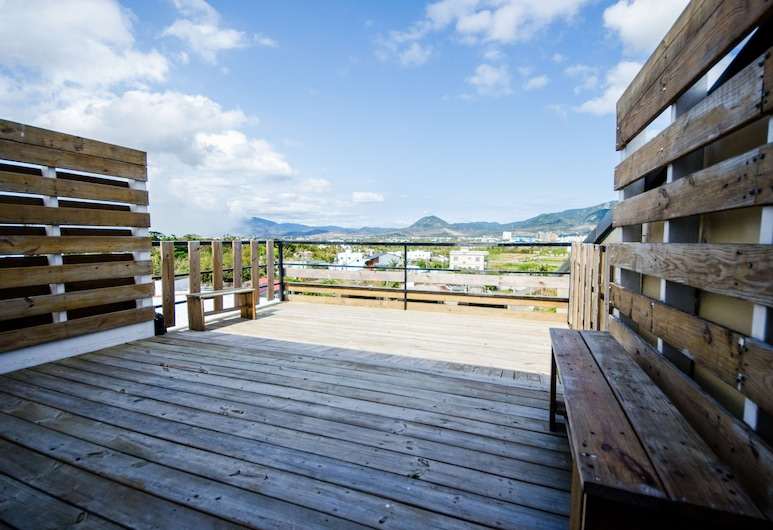 Oasis Inn, Hengchun, Family Room, Balcony