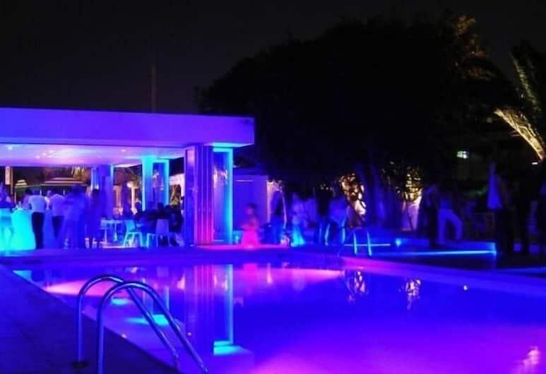 L' Eros Hotel, Ayia Napa, Poolside Bar