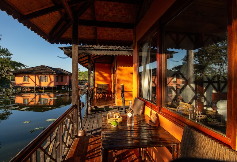 ViewPoint Lodge & Fine Cuisines, Nyaungshwe, Deluxe Room, Balcony, Balcony
