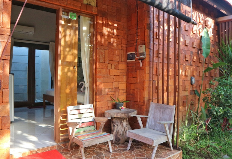 Louto Dmell Guesthouse, Denpasar, Standard Room, Terrace/Patio