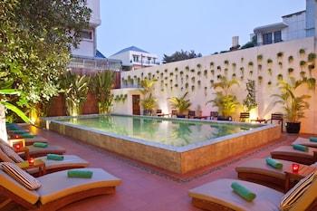 תמונה של Tea Palace Urban Hotel בפנום פן