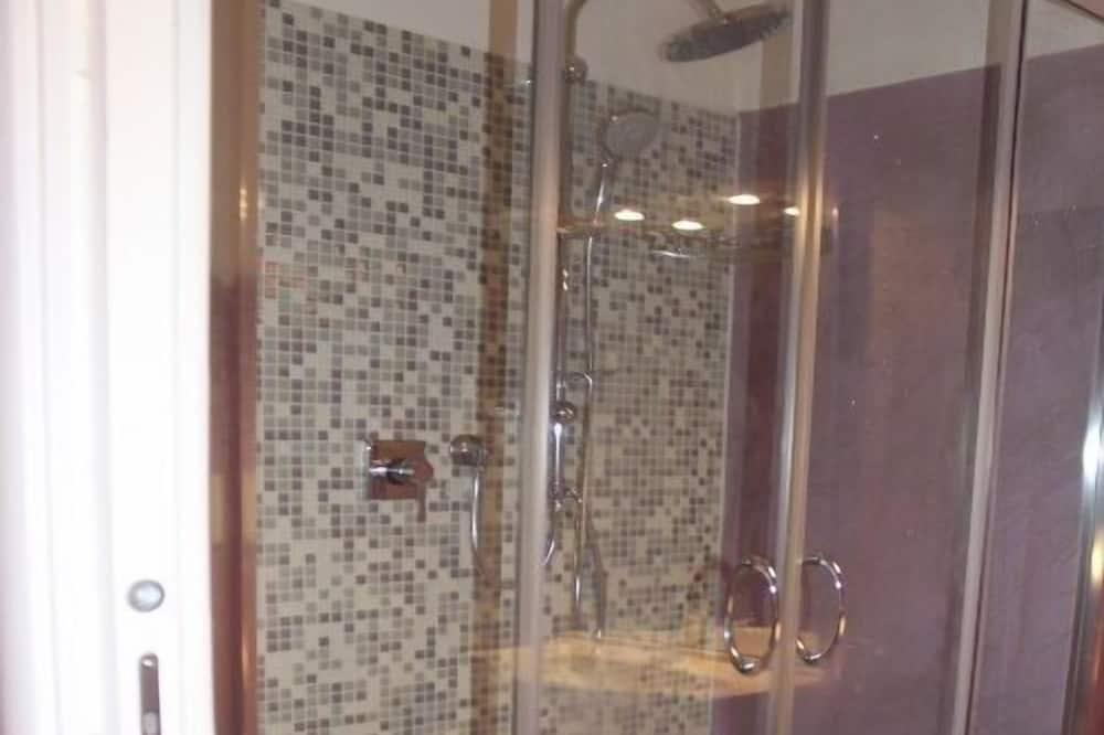 Room (Viola) - Bathroom