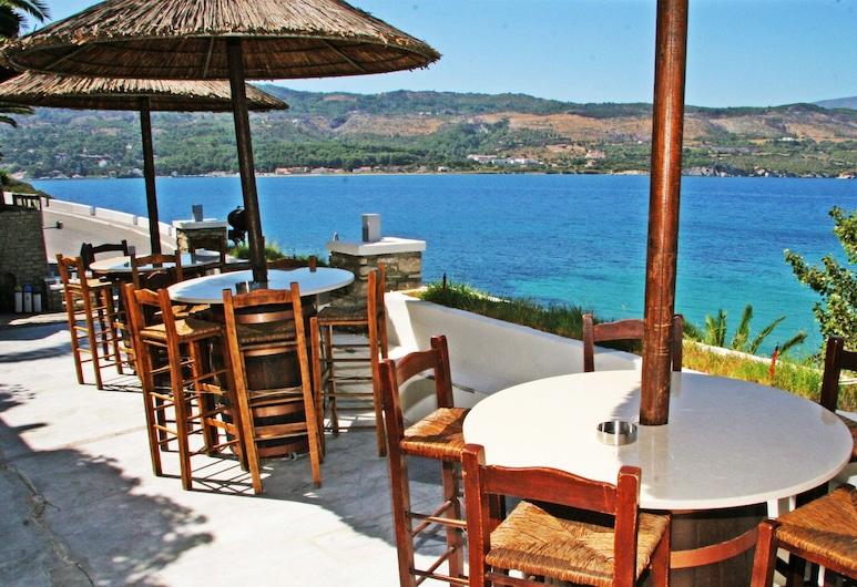 Samos Bay Hotel, Samos, Refeições no exterior
