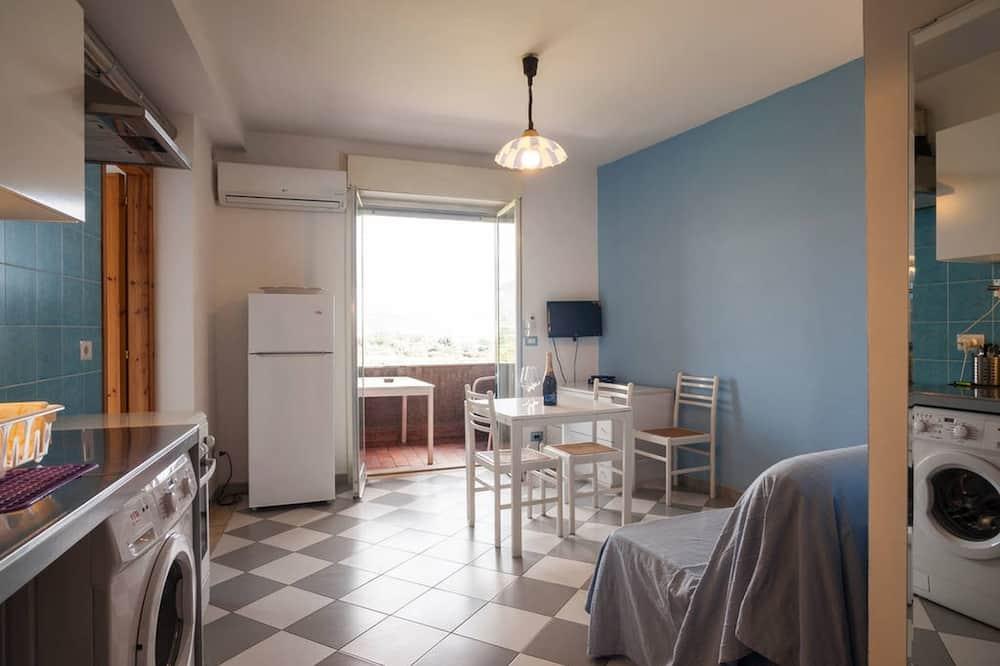 Standardni apartman, 1 spavaća soba, djelomičan pogled na more - Dnevni boravak
