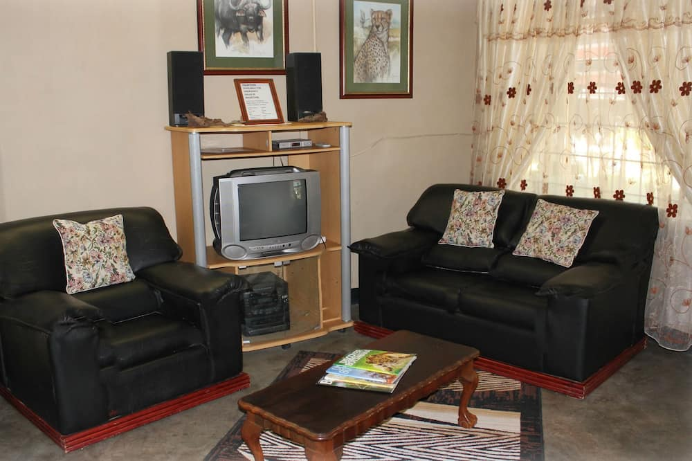 Family Chalet, 3 Bedrooms, Non Smoking - Living Area