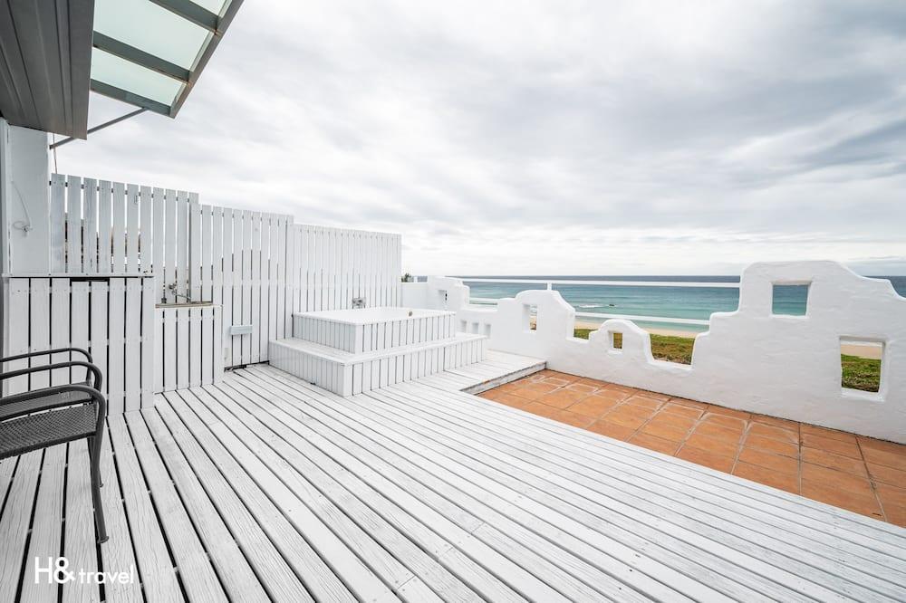 Pokoj Deluxe s dvojlůžkem, výhled na oceán - Terasa