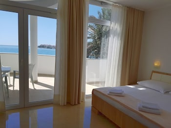 Picture of Sunset Split Rooms in Podstrana