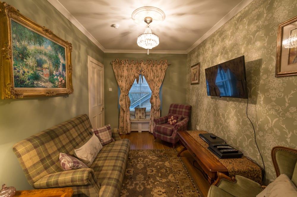 Classic Δίκλινο Δωμάτιο (Double), 1 Διπλό Κρεβάτι, Θέα στον Κήπο - Καθιστικό