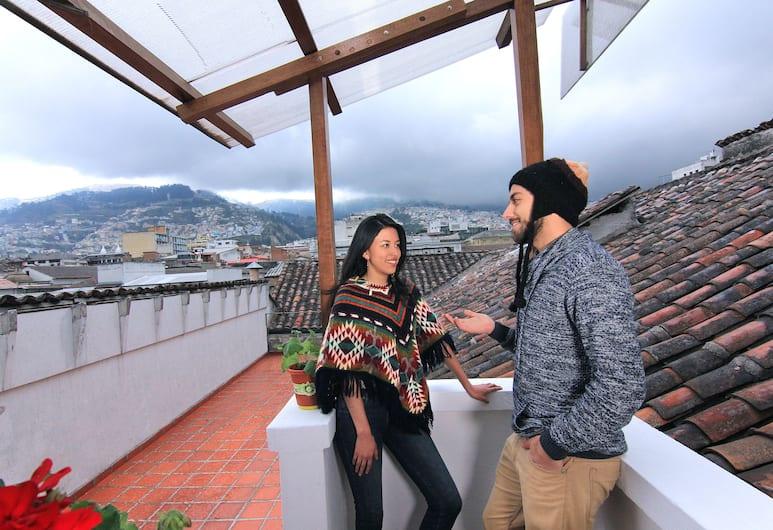 Hotel Huasi Continental, Quito, Terrace/Patio