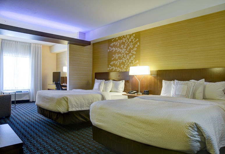 Fairfield Inn & Suites Rochester Mayo Clinic Area/St. Marys, Rochester, Room, 2 Queen Beds, Guest Room