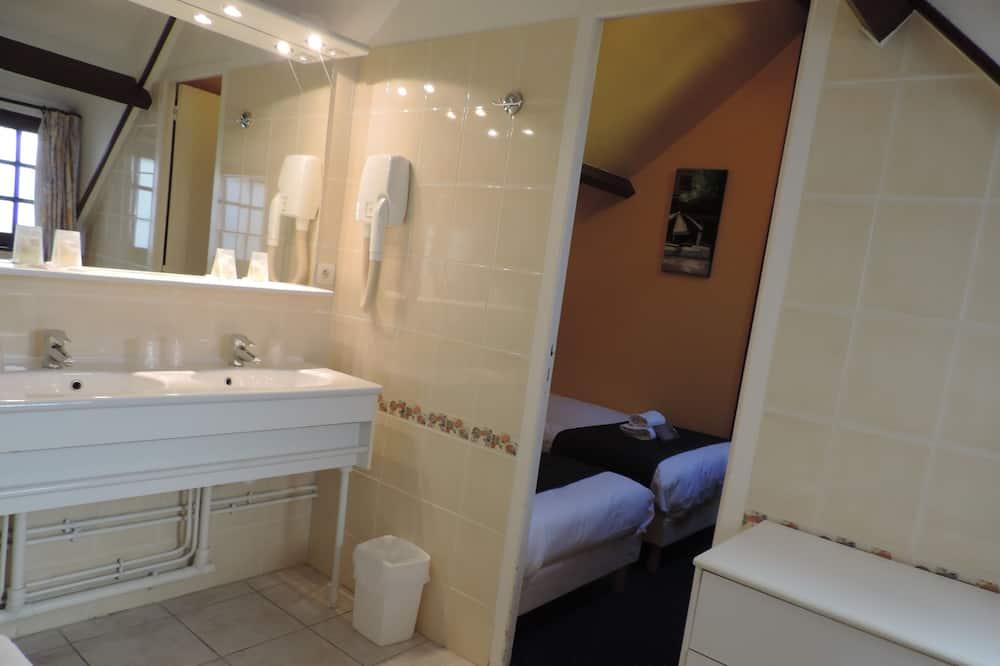 家庭標準客房 - 浴室