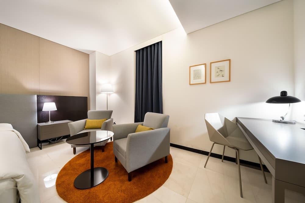Premier King Room (Netflix Available) - Living Area