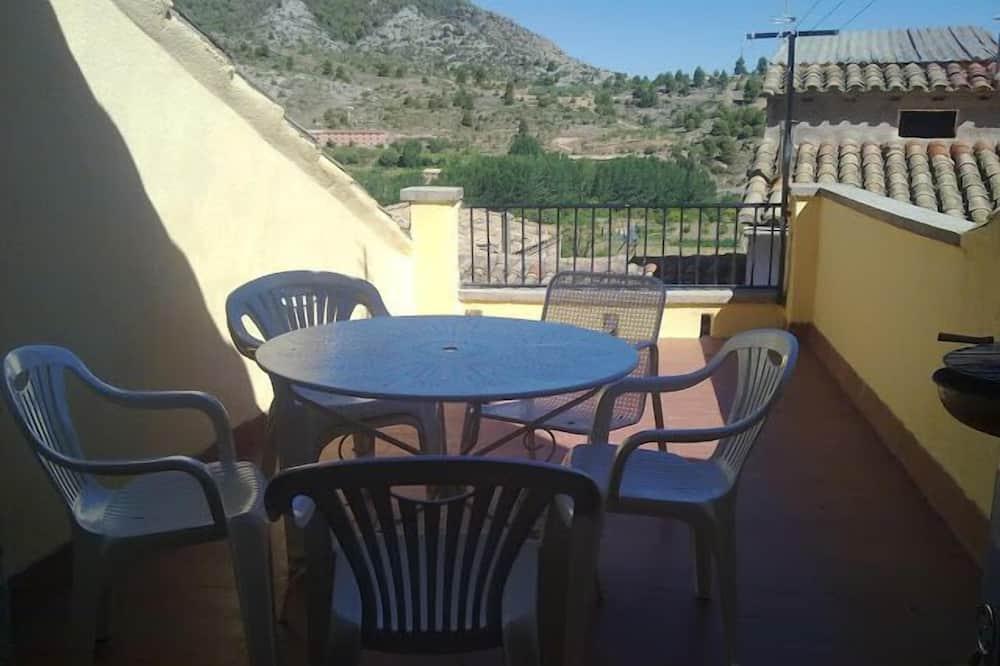 Family House, 5 Bedrooms - Balcony