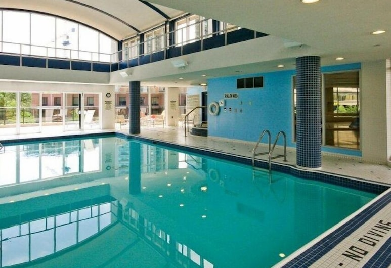 MAC Furnished Residences - Garden Suites, Toronto, Binnenzwembad