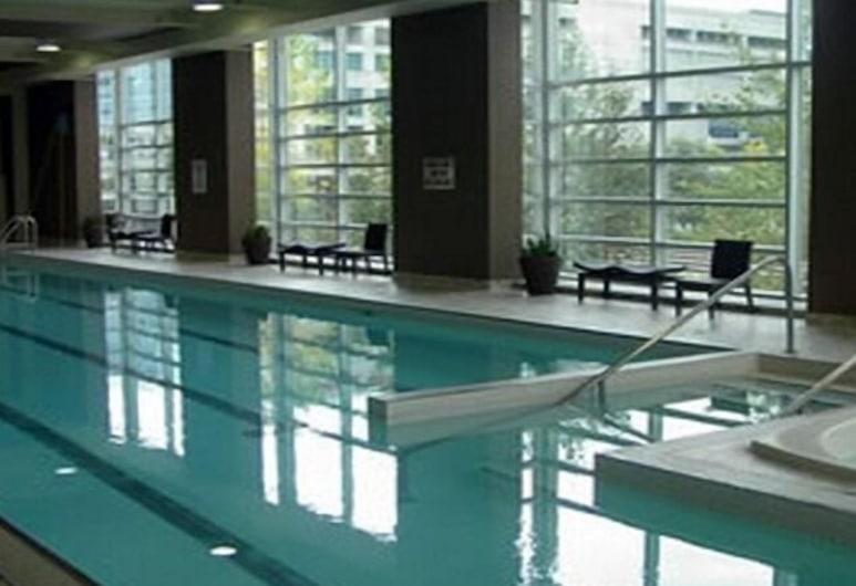MAC Furnished Residences - Skydome, Toronto, Piscina cubierta