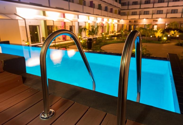 Onomo Hotel Bamako, Bamako, Pool