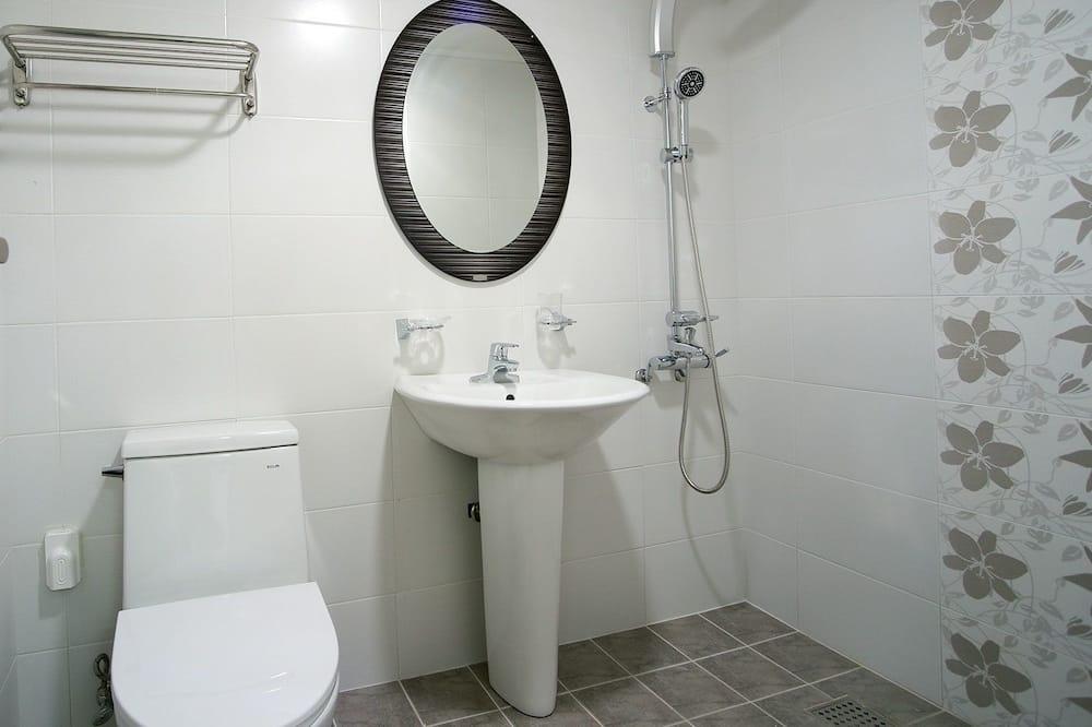 Deluxe Twin Room, Kitchen - Bilik mandi