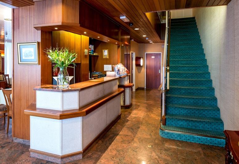 호텔 처칠, 제네바, 내부 입구