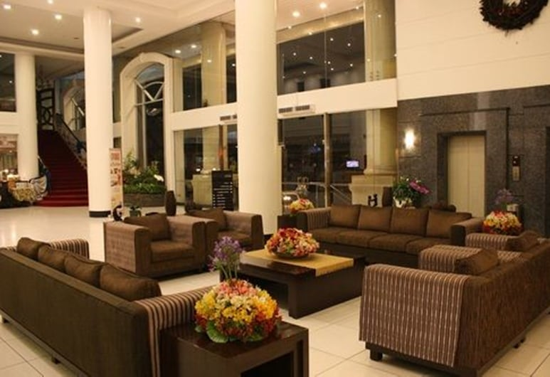 Hotel Supreme Convention Plaza, Baguio, Lobby